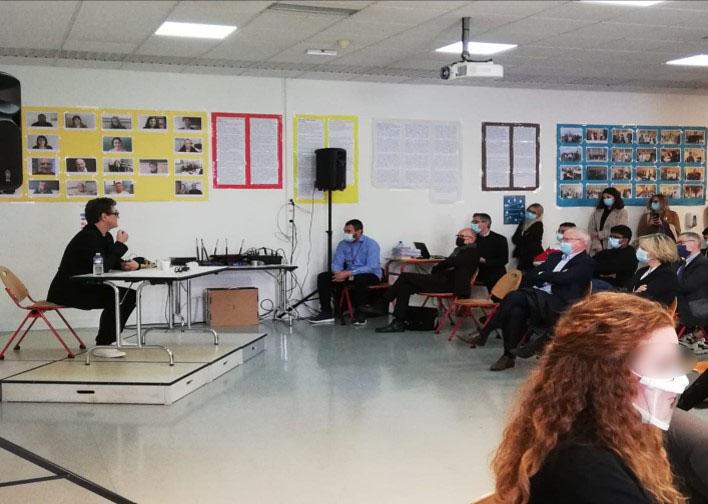 Photo groupe conférence au Lycée Jean Jaurès